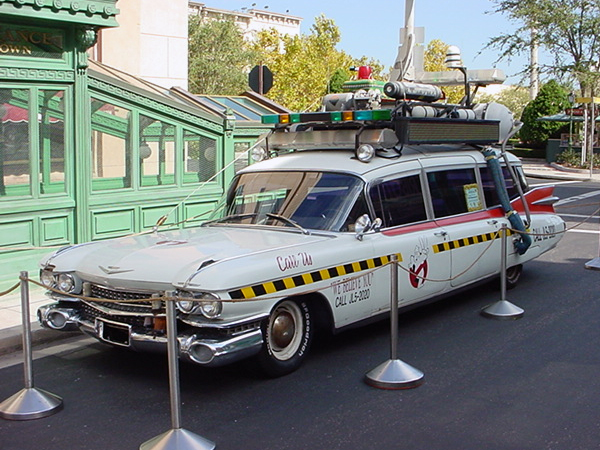 Ecto-1A   on display at Universal Studio Florida. It was kept her for several years and was not maintained properly. Visitors opened doors, climbed inside, removed 'souvenirs' and left it in horrible shape. Windshield smashed while on display. Photo source unknown.